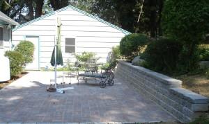 Caputo Retaining wall & patio2